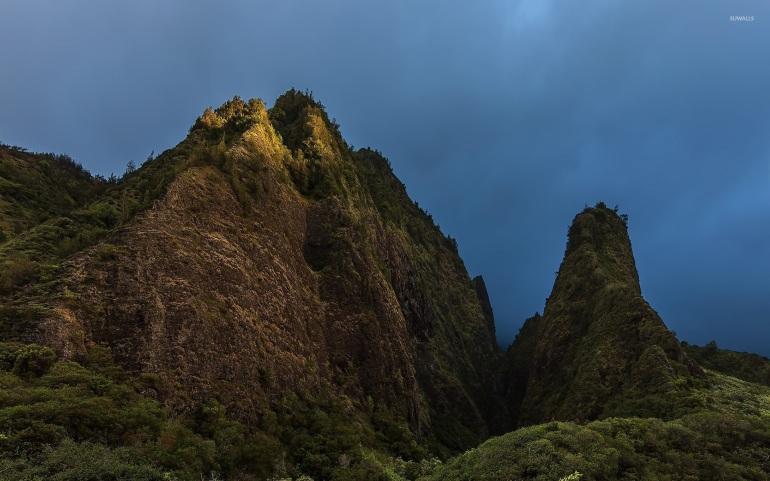 foggy-mountain-peaks